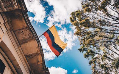 bandera de colombia flamenado. construcción d ela paz