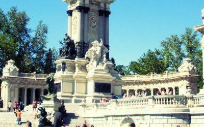 parque del retiro monumento en madrid. pasantías en madrid