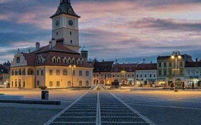 ciudad de brasov por el atardecer. residencia médica