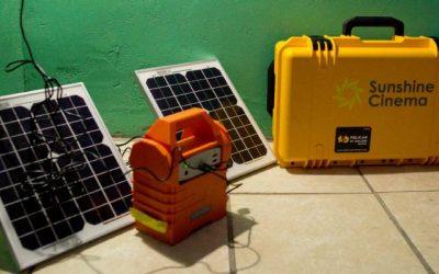 equipo de proyeccion de cine portatil y a energia solar